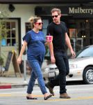 Celebrities Wonder 14097133_pregnant-drew-barrymore_1.jpg