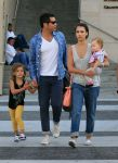 Celebrities Wonder 14576152_jessica-alba-family_1.jpg