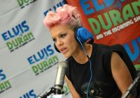 Celebrities Wonder 16907768_pink-Elvis-Duran-Z100-Morning-Show_8.jpg