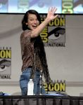 Celebrities Wonder 17303483_milla-jovovich-comic-con_3.jpg