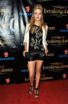Celebrities Wonder 19072948_comic-con-breaking-dawn_Maggie Grace 1.jpg