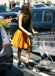 Celebrities Wonder 19168953_rachel-bilson-Whole-Foods_4.jpg