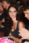 Celebrities Wonder 21573966_louis-vuitton-dinner_Kaya Scodelario 4.jpg