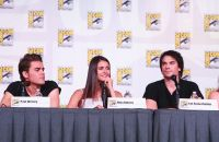 Celebrities Wonder 22292391_nina-dobrev-comic-con-vampire-diaries_7.jpg