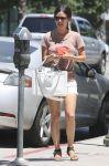 Celebrities Wonder 26079380_rachel-bilson-sister_4.jpg