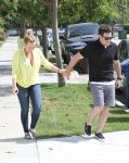 Celebrities Wonder 27067450_hilary-duff_5.jpg