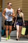 Celebrities Wonder 27276575_amanda-seyfried-short-shorts_1.jpg