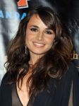 Celebrities Wonder 30281387_comic-con-breaking-dawn_Mia Maestro 4.jpg