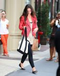 Celebrities Wonder 31484549_katie-holmes-gym_4.jpg