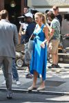 Celebrities Wonder 36030070_blake-lively-gossip-girl-set_3.jpg