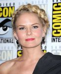 Celebrities Wonder 36567275_jennifer-morrison-comic-con_3.jpg