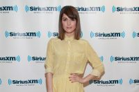 Celebrities Wonder 38495544_rose-byrne-sirius-xm_5.jpg