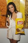Celebrities Wonder 41809795_eva-longoria-lays_6.jpg