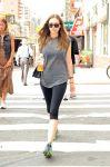 Celebrities Wonder 45612249_elizabeth-olsen-nyc_4.jpg