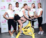 Celebrities Wonder 46665110_Supermodel-Cycle-Ride_6.jpg