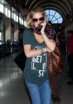 Celebrities Wonder 48202655_kate-hudson-lax-airport_7.JPG