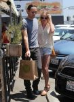 Celebrities Wonder 49083988_kate-bosworth-short-shorts_1.jpg