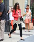 Celebrities Wonder 5216276_katie-holmes-gym_3.jpg
