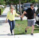 Celebrities Wonder 56586354_hilary-duff_7.jpg