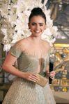 Celebrities Wonder 57224257_lily-collins-mirror-mirror-tokyo_4.jpg