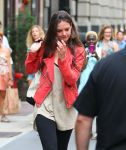 Celebrities Wonder 61872378_katie-holmes-gym_6.jpg