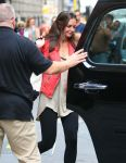 Celebrities Wonder 62662544_katie-holmes-gym_7.jpg