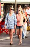 Celebrities Wonder 62992729_nicky-hilton-Saint-Tropez_3.jpg