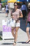 Celebrities Wonder 63212234_rachel-bilson-sister_7.jpg