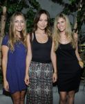 Celebrities Wonder 66582984_olivia-wilde-alternative-apparel_3.jpg