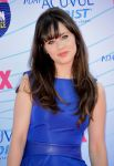 Celebrities Wonder 67247540_zooey-deschanel-teen-choice-awards-2012_5.jpg