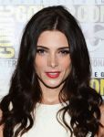 Celebrities Wonder 6750032_comic-con-breaking-dawn-panel_Ashley Greene 4.jpg