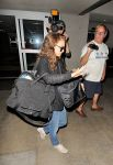 Celebrities Wonder 69661305_natalie-portman-lax_4.jpg