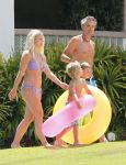 Celebrities Wonder 71651953_britney-spears-bikini_1.jpg