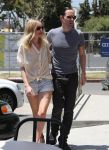 Celebrities Wonder 73021190_kate-bosworth-short-shorts_4.jpg