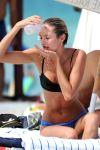 Celebrities Wonder 7317176_Candice-Swanepoel-bikini_6.jpg