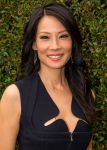 Celebrities Wonder 73841038_lucy-liu-comic-con_2.jpg