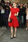 Celebrities Wonder 74323418_valentino-front-row_2.jpg