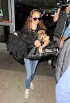 Celebrities Wonder 78536903_natalie-portman-lax_1.jpg