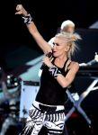 Celebrities Wonder 78805771_gwen-stefani-perform-teen-choice_5.jpg