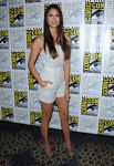 Celebrities Wonder 79779183_nina-dobrev-comic-con-vampire-diaries_3.jpg