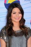 Celebrities Wonder 79790893_miranda-cosgrove-teen-choice-awards_7.jpg