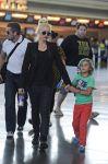 Celebrities Wonder 8117000_gwen-stefani-airport_2.jpg