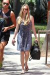 Celebrities Wonder 84443858_amanda-seyfried-hollywood_4.jpg