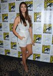 Celebrities Wonder 8505594_nina-dobrev-comic-con-vampire-diaries_2.jpg
