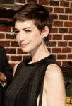 Celebrities Wonder 88090458_anne-hathaway-letterman_7.jpg
