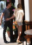 Celebrities Wonder 88165937_kate-bosworth-short-shorts_6.jpg