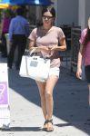 Celebrities Wonder 94738308_rachel-bilson-sister_5.jpg