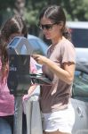 Celebrities Wonder 95325366_rachel-bilson-sister_8.jpg