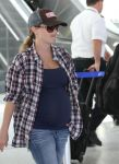 Celebrities Wonder 95692311_pregnant-reese-witherspoon_5.jpg