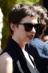 Celebrities Wonder 95828972_anne-hathaway-givenchy_7.jpg